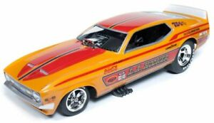 AUTO WORLD AW1106 L A HOOKER 1971 FORD MUSTANG NHRA FUNNY CAR model 1:18th scale