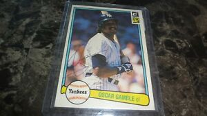 1982-DONRUSS-OSCAR-GAMBLE-AUTOGRAPHED-BASEBALL-CARD