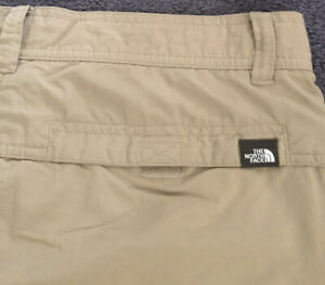 NWOT Mens THE NORTH FACE Never Stop Exploring Hiking Beige Cargo Shorts 36x10