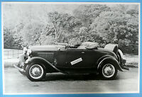 12 By 18 Black & White Picture 1932 Ford Roadster Side View Top Down