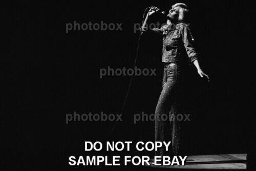Exclusive Rare  PHOTO Ref 4259 Sylvie Vartan