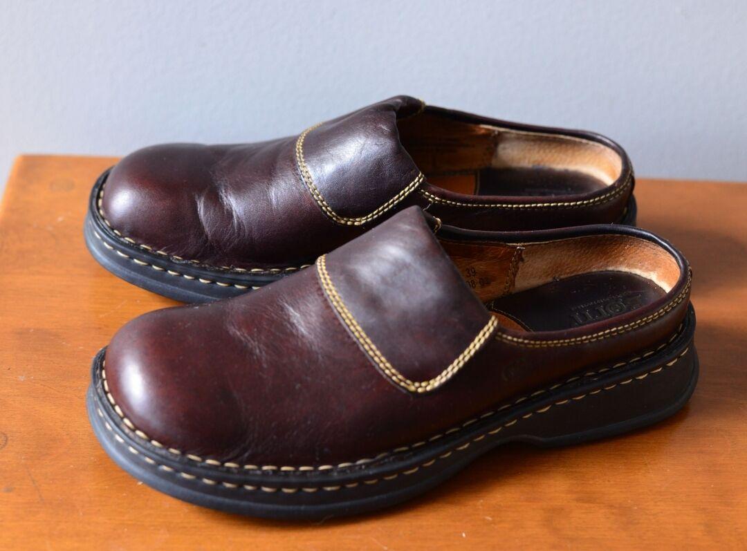 Born Women's 8M/ Slip Dark On Casual Shoes Dark Slip Brown a26042