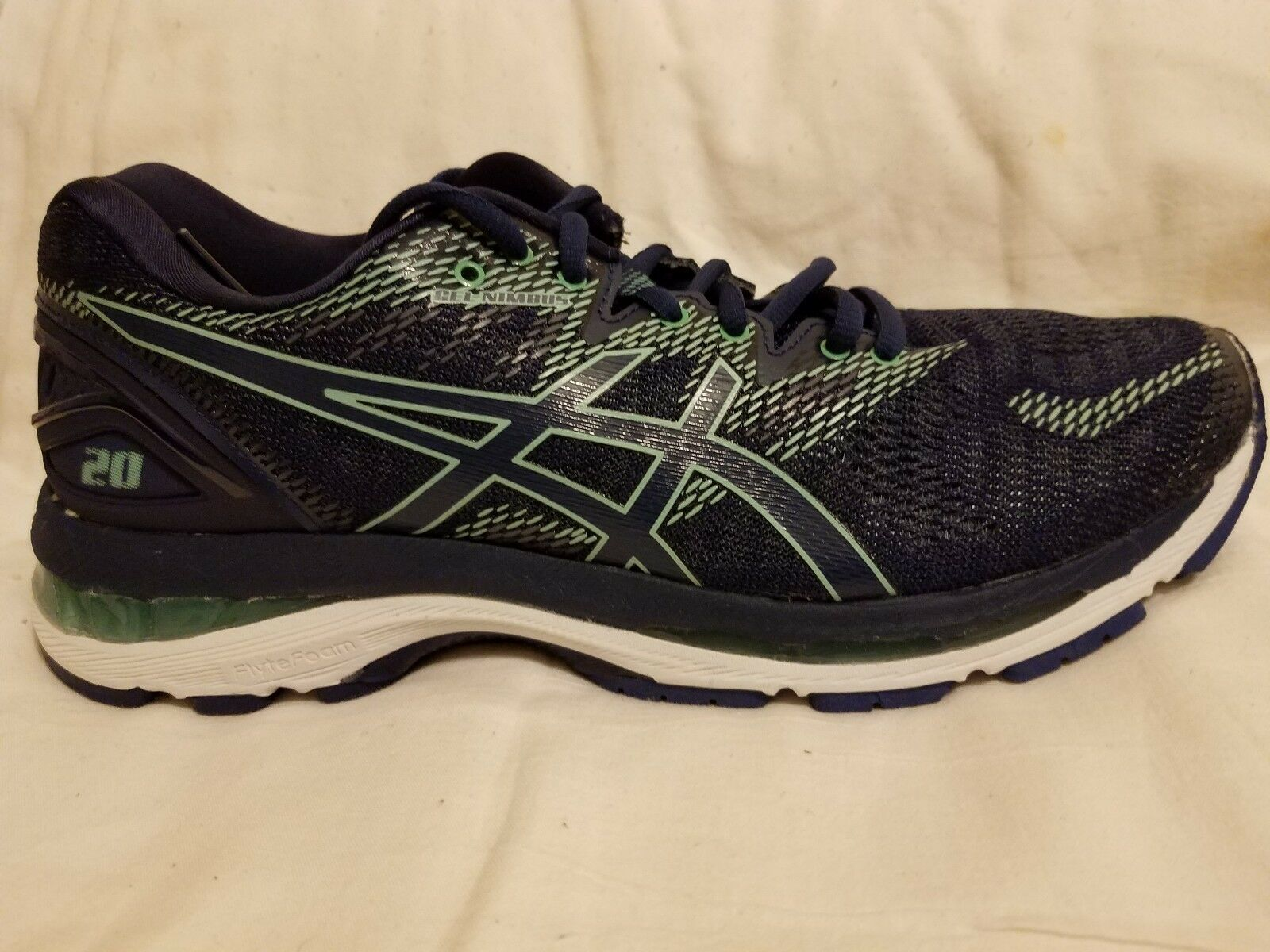 Women's Asics Gel Nimbus 20 running shoes.Multi-color.US size 9.5 medium. Wild casual shoes