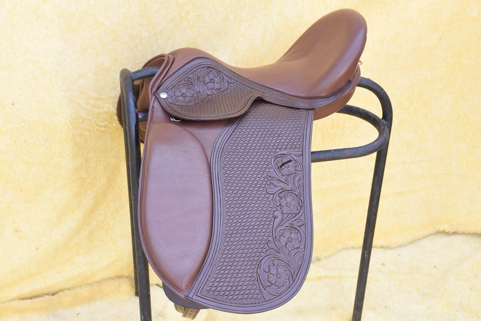 Brown Dressage Treeless Saddle with carving & tooling in 9 size with accessories