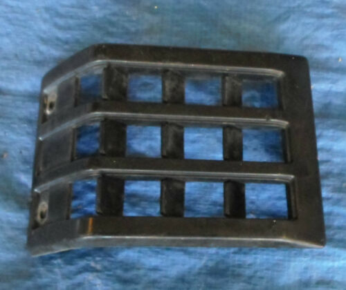 Toyota Landcruiser 75 series Ute vent outside of cab 1985 999 LH 2612