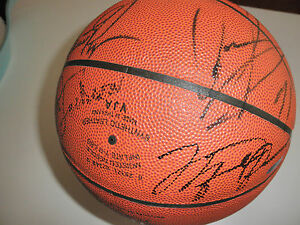 timeless design 303b2 57d1d Details about MICHAEL JORDAN SIGNED BASKETBALL 95-96 CHICAGO BULLS TEAM BY  14 UPPER DECK COA!!