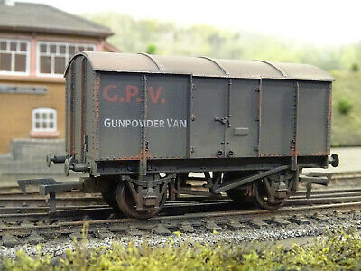 Boxed Utmost In Convenience The Best Dapol Ltd Edition Gwr Gunpowder Van lineside Weathered