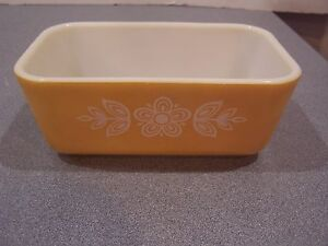 Pyrex 1 1/2 Pint Butterfly Gold Refrigerator Dish NO Lid # 0502 EC vintage