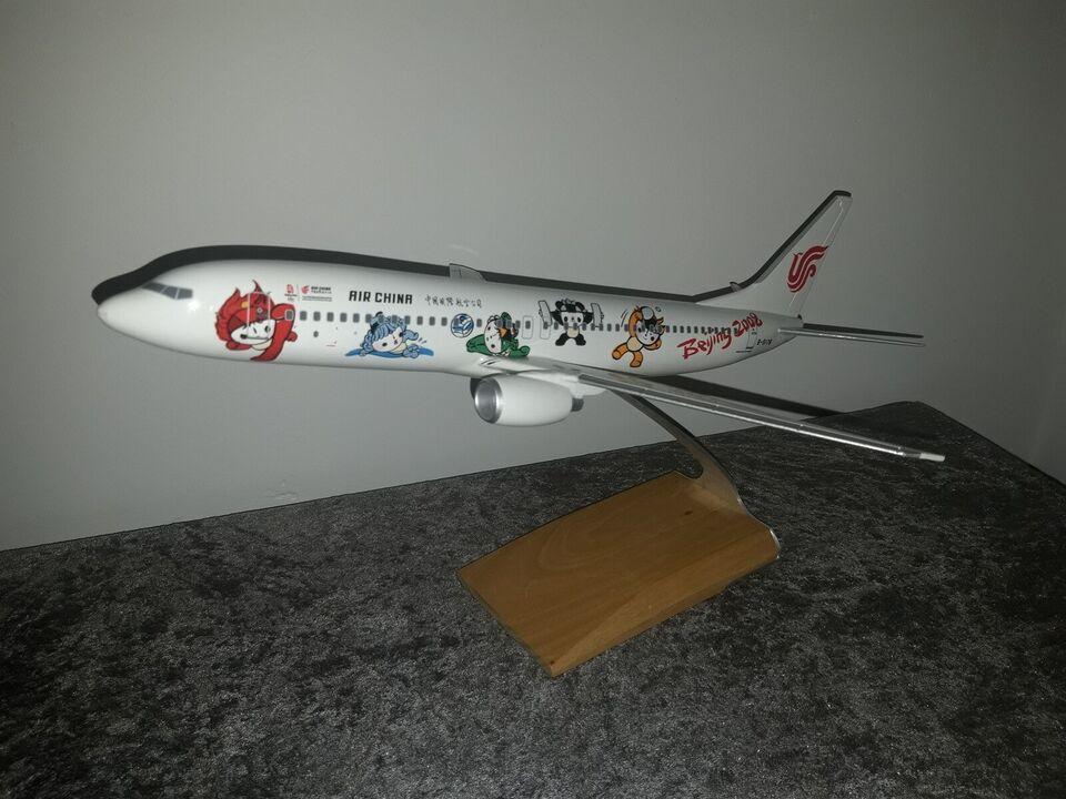 Modelfly, skala 1:100