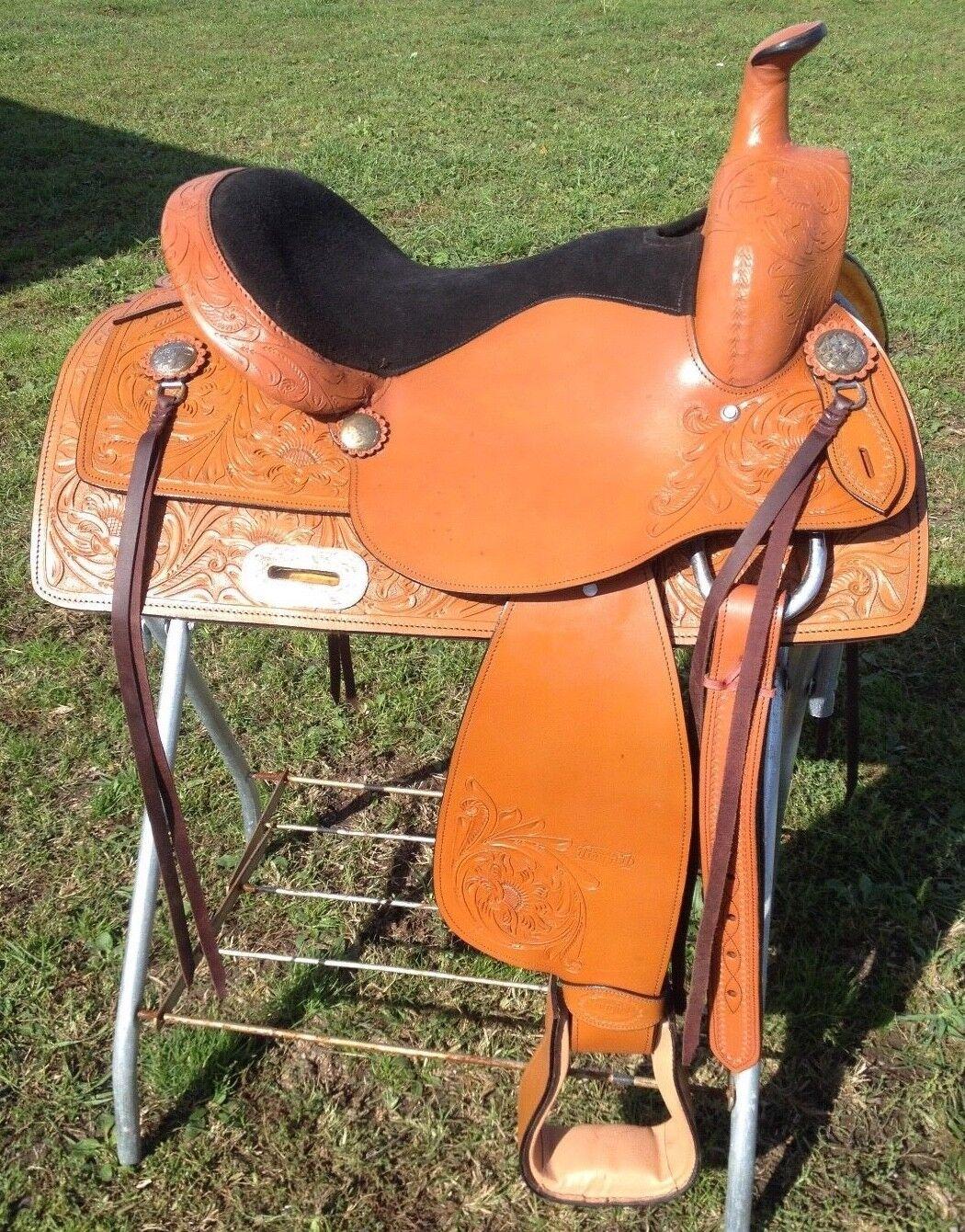 15.5   McKinney western  trail   pleasure saddle  tan leather