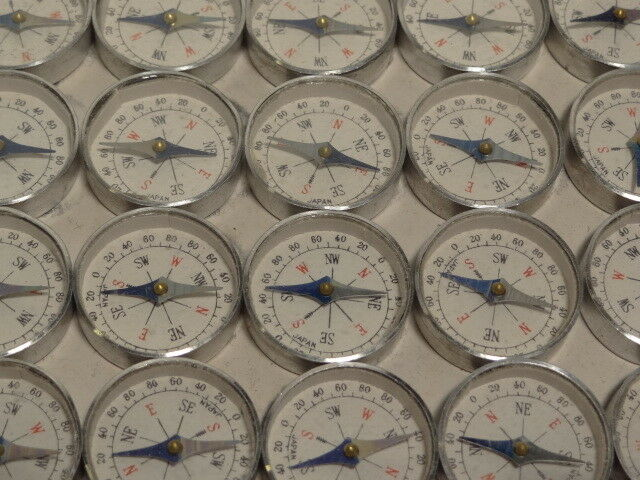 144 Miniature NOS Vintage Compasses 1  Diameter 1 4  Deep Mirror Made In Japan