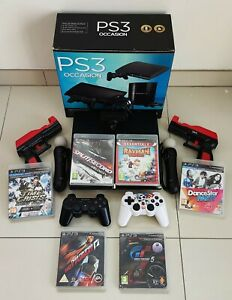 PS3 Slim 250Go + 6 jeux + 4 manettes + caméra + 2 pistolets