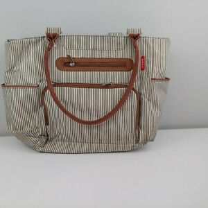 Soho-diaper-bag-18-034-brown-green-striped-changing-pad-included