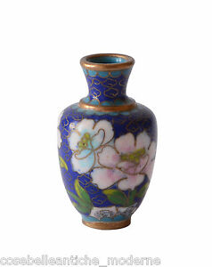 Asian Antiques Antico Vasetto Orientale Cloisonnè Oriental Ancient Old Antique Vase Cina H.5cm Bright And Translucent In Appearance