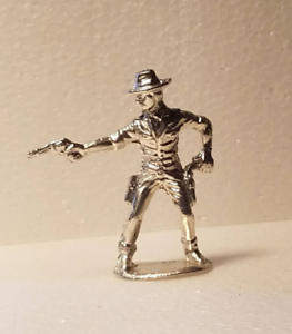 Gunslinger-cowboy-hand-cast-Bullion-999-fine-silver-1776-Mint