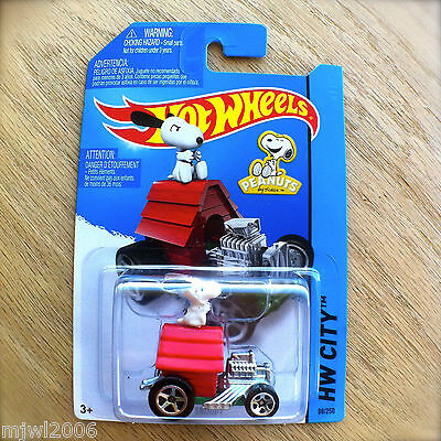 2014 Hot Wheels SNOOPY 88/250 HW CITY diecast Mattel TOONED II PEANUTS dog house