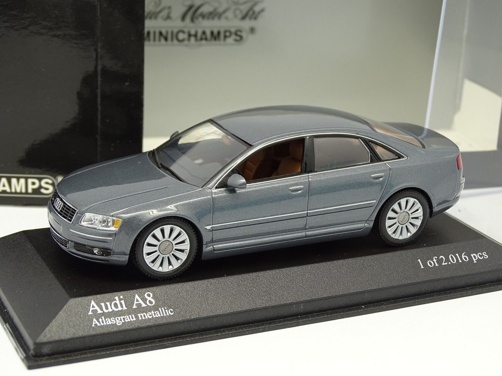 Minichamps 1 1 1 43 - Audi A8 2005 Grey 526334