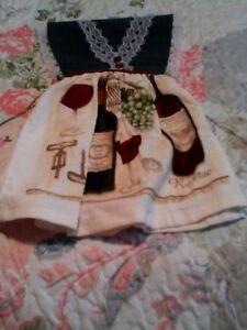 HANDMADE-KITCHEN-HAND-TOWEL-WITH-WINE-THEME-Red-Wine-Bottle