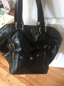 18c838f7d Yves Saint Laurent YSL Black Patent Leather Medium Downtown Handbag ...