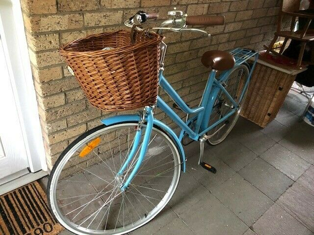 Vintage style basket shopper bike- brand new