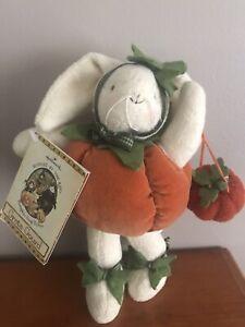 Hallmark Bunnies By The Bay Pumpkin Hoop The Dee Greta Gourd Plush NWT