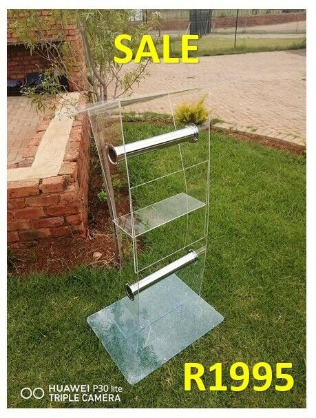 Clear Body Curved C Shape Lectern