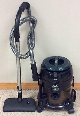 Hyla Nst Canister Vacuum Bare Floor