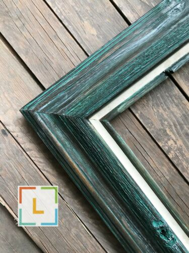 RUSTIC DISTRESSED GREEN BARN STYLE WOOD PICTURE FRAME WITH WHITE LINEN LINER,