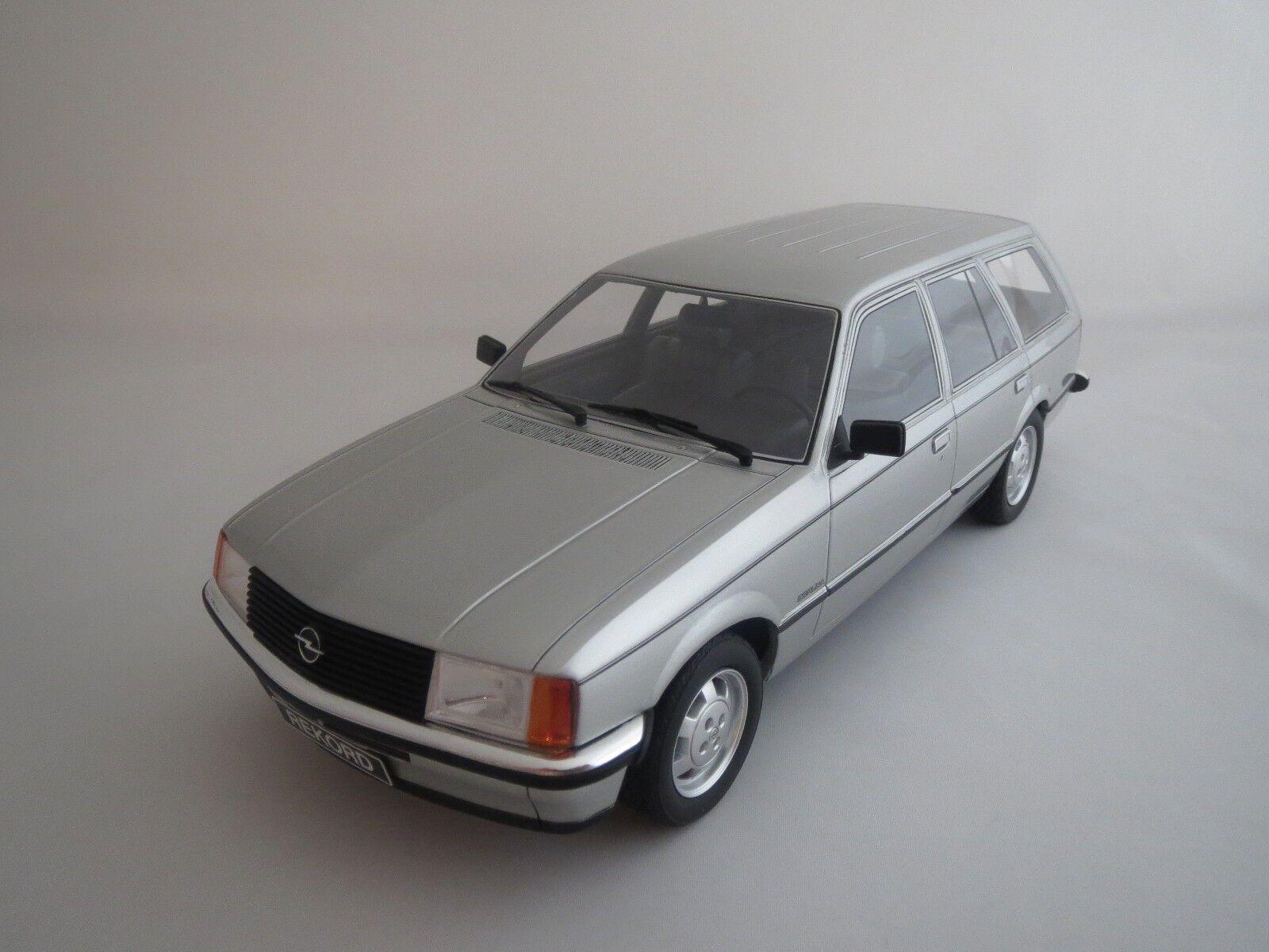 BoS Opel Record E Caravan  1981  (argent) 1 18 sans emballage