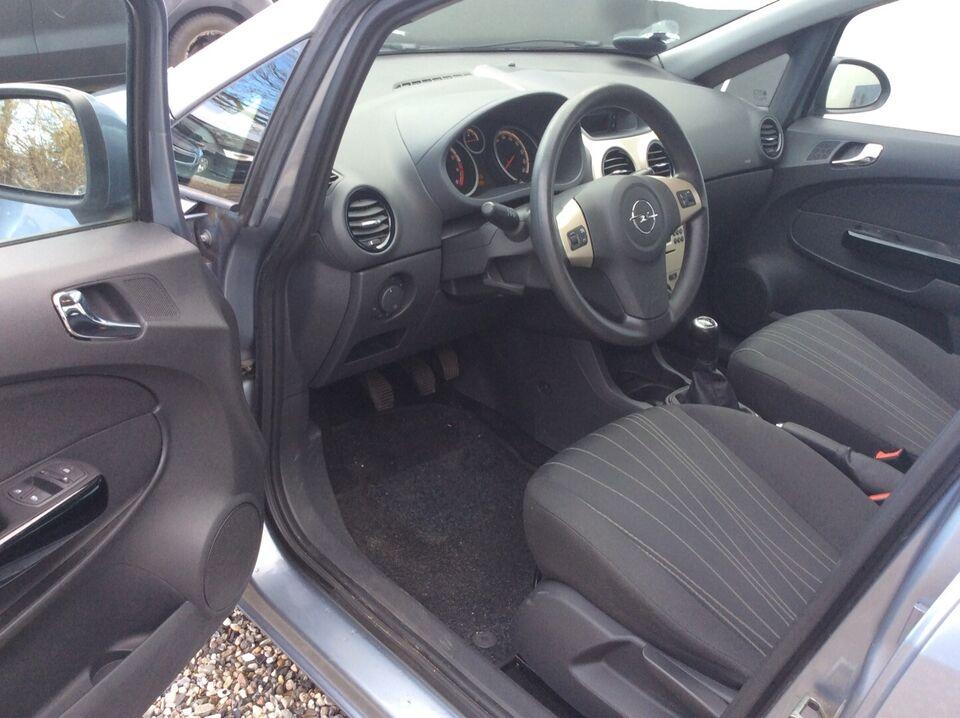 Opel Corsa 1,2 16V Enjoy Benzin modelår 2007 km 104000