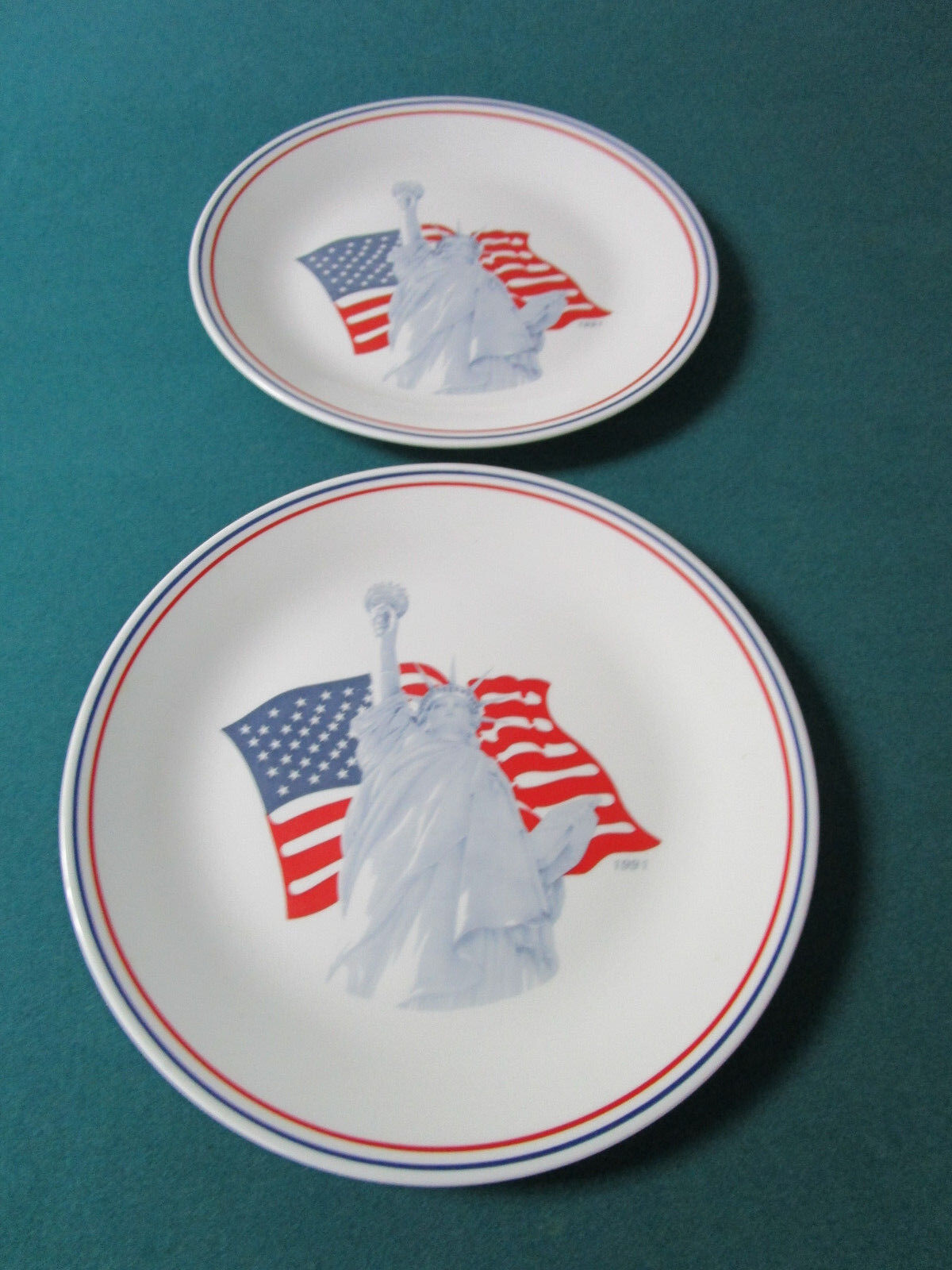 Vintage 1991 Statue of Liberty Corelle 2 Plates by Corning 10.25