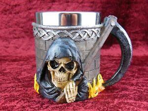 Totenkopf Bierkrug Skull aus Poly mit Edelstahleinsatz und Totenkopf,Neu !