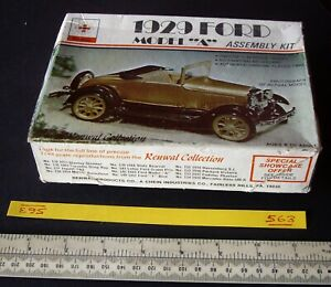 Renwal-USA-1929-Ford-Model-A-1-48-Scale-1970s-Vintage-563
