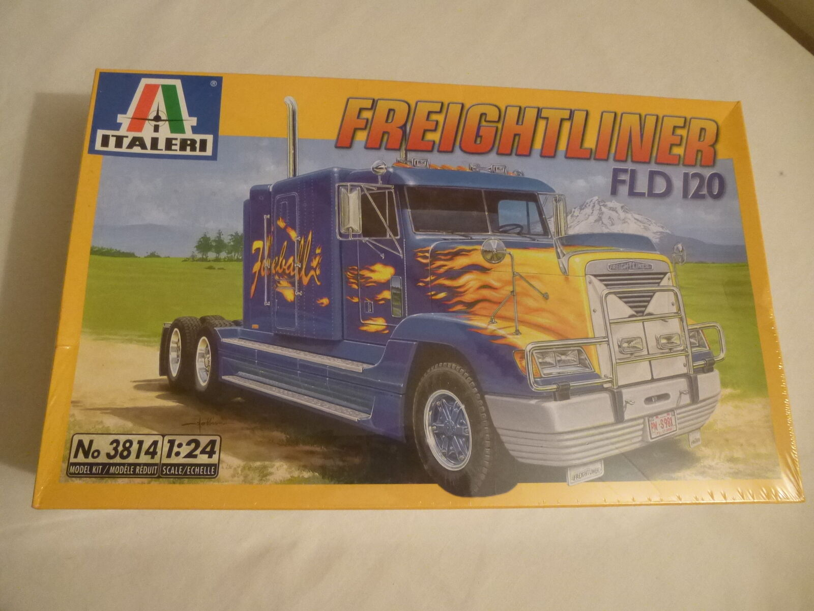 Italeri 1 24 Freightliner FLD 120