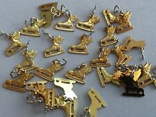 Lot of 25 Genuine VINTAGE Circa 1950s WINGED ICE SKATES Charms BRASS STAMPED