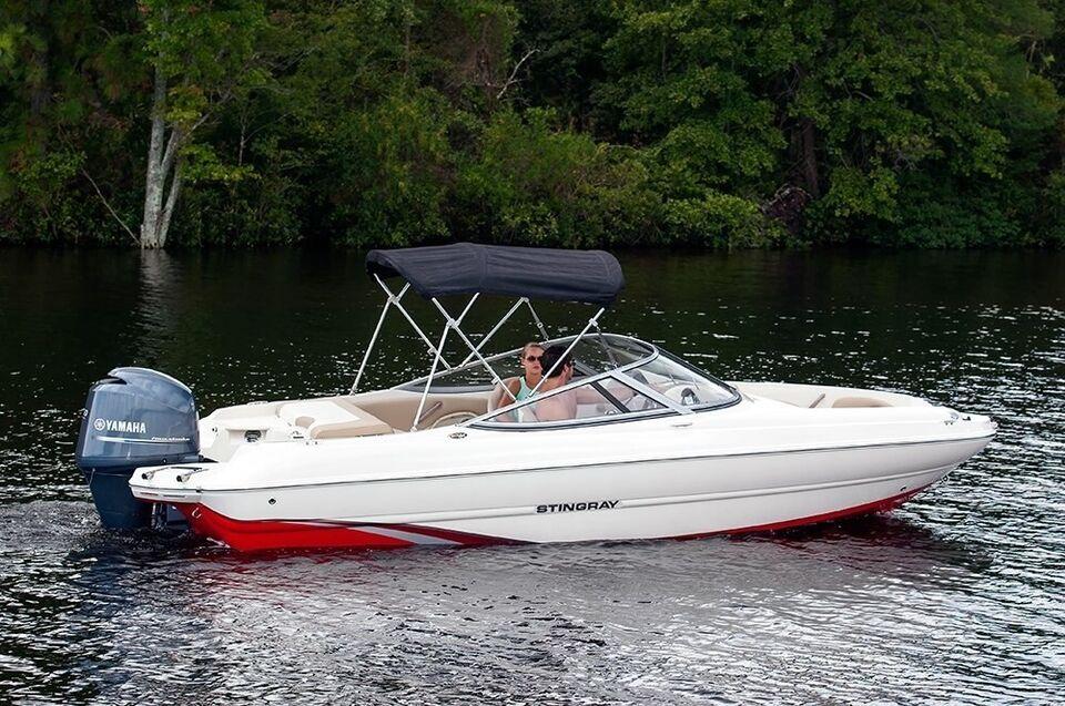 Stingray, Motorbåd, fod 20