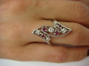 !UNUSUAL 14K WHITE GOLD 0.75 CT DIAMONDS AND RUBIES LONG VINTAGE RING 6 GRAMS