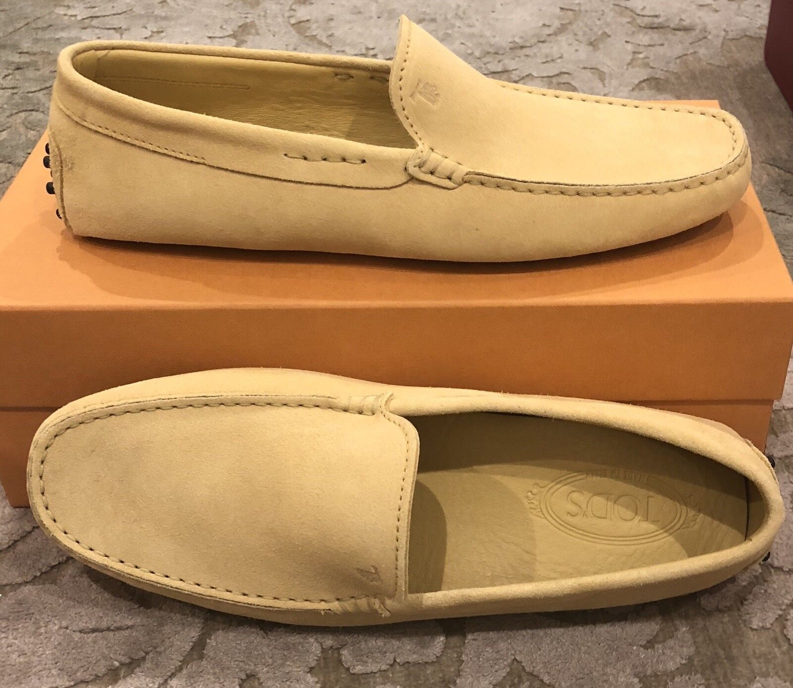 New Tods Mens Light Yellow Gommini Loafer shoes Size 8 US 7 EU