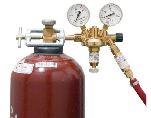 Bottle Pressure Regulator Acetylene 25 bar to 1,5 Bar