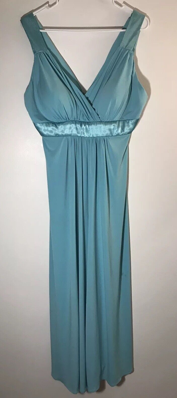 DAVIDS BRIDAL Bridesmaid Dress Size 12 Aqua Style F13095 Lot# 503896 Sleeveless