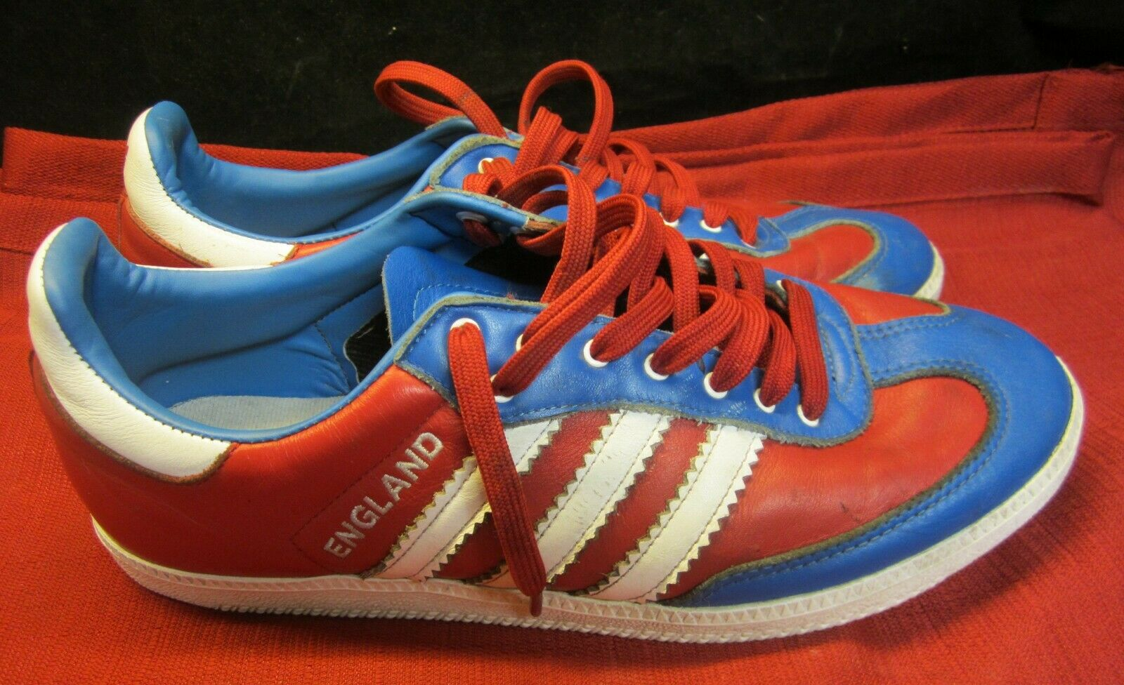 RARE Vintage Adidas L38250 Red blueee White ENGLAND Logo Sneakers US 10