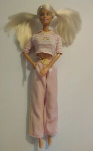Barbie Doll Blonde Hair Blue Eyes 2 Piece Outfit 1997 Mattel