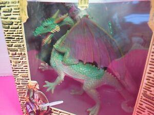 Dragon-Of-St-George-With-Panoramic-Display-Vinyl-Figure-In-Original-Box