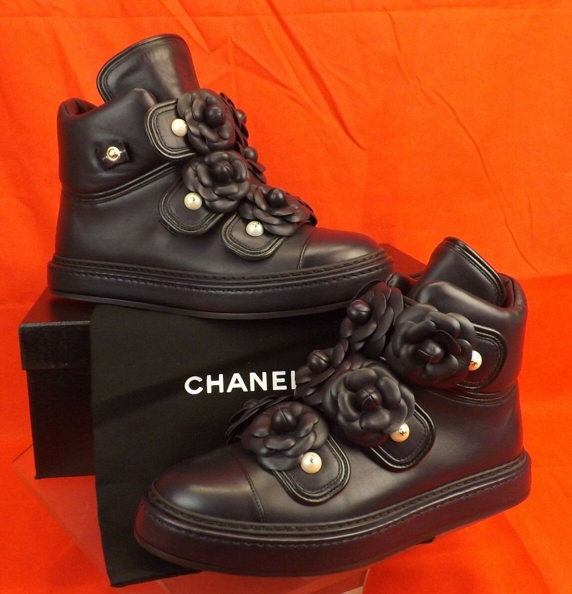 16P NIB CHANEL NAVY LEATHER CAMELLIA FLOWERS PEARLS CC LOGO HI TOP SNEAKERS 38