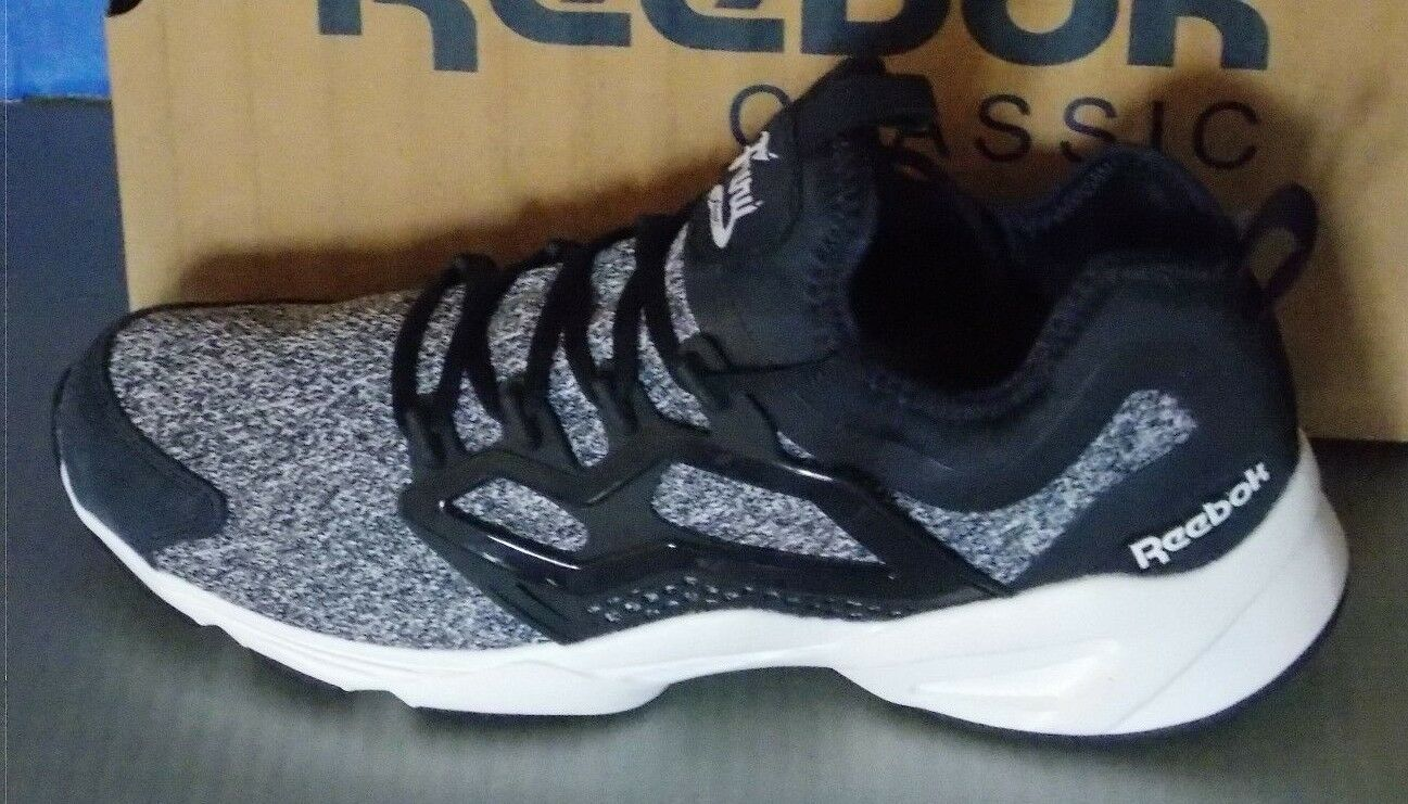 MENS REEBOK FURY ADAPT in colors NAVY / WHITE SIZE 10