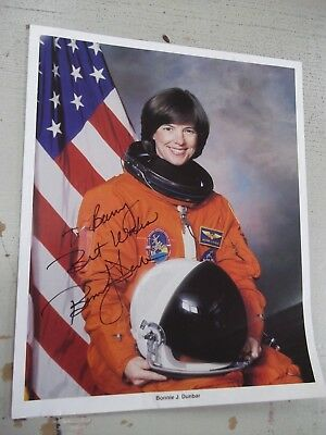 """Invigorating Blood Circulation And Stopping Pains 8""""x10"""" Energetic Bonnie Dunbar Inscribed Photo Space Shuttle Endeavour Sts-89 Mir"""