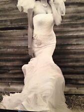 Vera Wang Wedding Dress (with Free Veil)