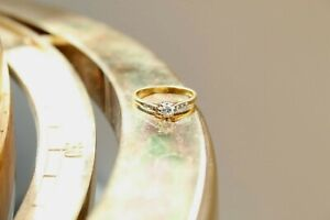 Victorian 18ct yellow gold 8 claw solitaire ring with diamond shoulders 2.3g