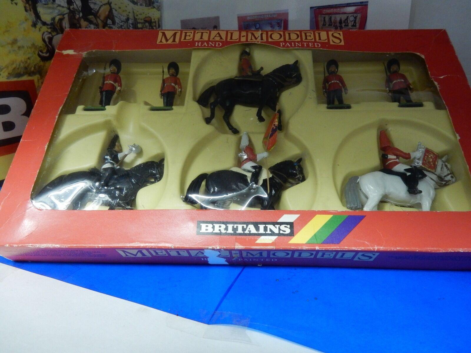 Britains 7218 Her Majesty, Queen Elizabeth, Hand Painted Diecast 8 Piece 1 32