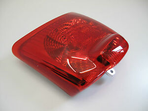 piaggio-vespa-gt-gts-gtv-125-200-250-300-ie-Rear-Light-Lamp-Unit-tail-2